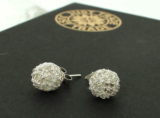 Just_Trade_Silver_Studs-2